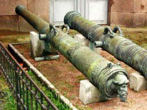 Рис.24.1 Бронзовая пушка «Ревельский лев». Изображение Московита 1559 Артиллерийский музей СПб